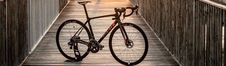 "CyclingTips laudă ""agilitatea precisă"" a cursierei Giant TCR Advanced Pro Disc!"